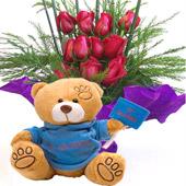 Cubo de rosas y osito Te quiero.